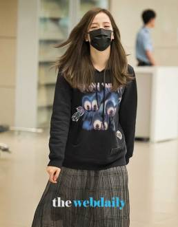 33-BLACKPINK-Jisoo-Airport-Photo-Incheon-Seoul-From-New-York
