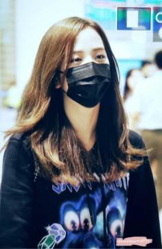 35-BLACKPINK-Jisoo-Airport-Photo-Incheon-Seoul-From-New-York