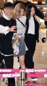 37-BLACKPINK Rose Airport Photo 17 September 2018 Gimpo to Japan