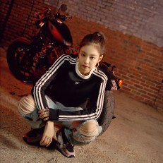 4-BLACKPINK-Jennie-Adidas-Originals-Falcon