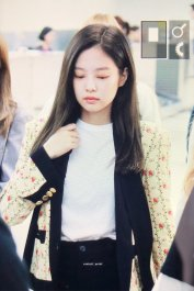 4-BLACKPINK Jennie Airport Photo 17 September 2018 Gimpo to Japan
