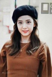 4-BLACKPINK-Jisoo-Airport-Photo-Gimpo-19-September-2018-hat
