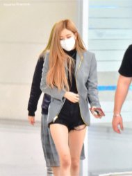 4-BLACKPINK Rose Airport Photo Incheon Seoul From New York