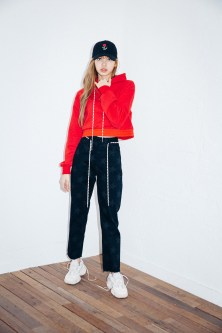 40-BLACKPINK Lisa X-girl Japan Nonagon Collaboration