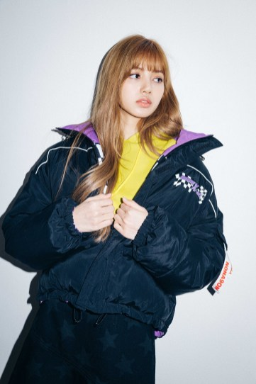 44-BLACKPINK Lisa X-girl Japan Nonagon Collaboration