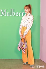50 BLACKPINK Lisa Mulberry Seoul Event 6 September 2018