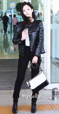 59-BLACKPINK-Jennie-Airport-Photos-Incheon-to-France-Paris-Fashion-Week