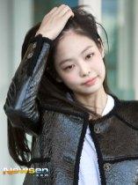 64-BLACKPINK-Jennie-Airport-Photos-Incheon-to-France-Paris-Fashion-Week
