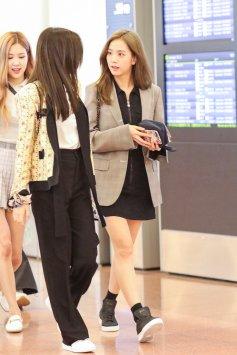 8-BLACKPINK Airport Photo 17 September 2018 Haneda Japan