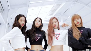 8-BLACKPINK-GUESS-Lotte-Wherever-GUESS