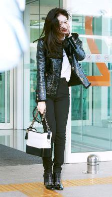 8-BLACKPINK Jennie Airport Photos Incheon to France Paris Fashion Week