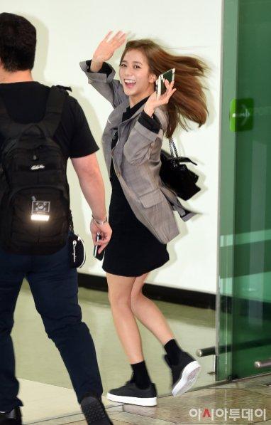 8-BLACKPINK Jisoo Airport Photo 17 September 2018 Gimpo to Japan
