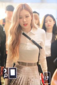 9-BLACKPINK Rose Airport Photo 17 September 2018 Gimpo to Japan