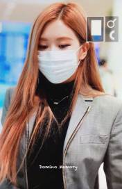 9-BLACKPINK-Rose-Airport-Photo-Incheon-Seoul-From-New-York