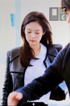 91-BLACKPINK Jennie Airport Photos Incheon to Paris Fashion Week