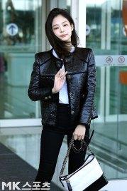 96-BLACKPINK-Jennie-Airport-Photos-Incheon-to-France-Paris-Fashion-Week