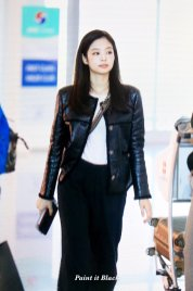 98-BLACKPINK Jennie Airport Photos Incheon to Paris Fashion Week