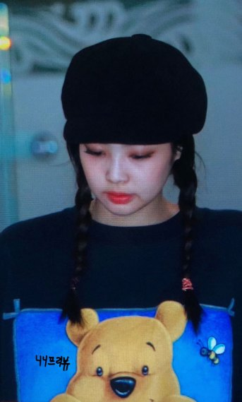 12-BLACKPINK-Jennie-Airport-Photo-10-October-2018-From-Japan
