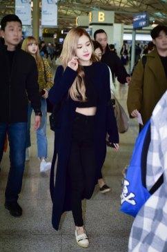 12-BLACKPINK-Rose-Airport-Photos-Incheon-5-October-2018