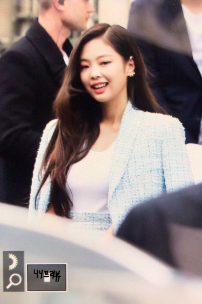 13-BLACKPINK Jennie Chanel Paris Fashion Week Fansite Photos