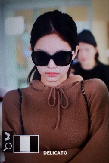 14-BLACKPINK-Jennie-Airport-Photo-Incheon-20-October-2018