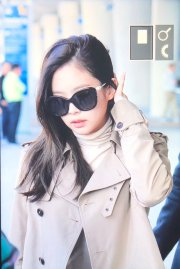 17-BLACKPINK Jennie Airport Photo 4 October 2018 from Paris