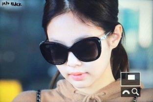 18-BLACKPINK-Jennie-Airport-Photo-Incheon-20-October-2018
