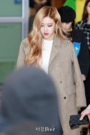 2-BLACKPINK-Airport-Photo-10-October-2018-From-Japan