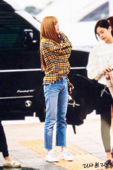 2-BLACKPINK-Lisa-Airport-Photos-Incheon-5-October-2018