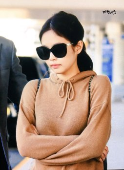 21-BLACKPINK-Jennie-Airport-Photo-Incheon-20-October-2018