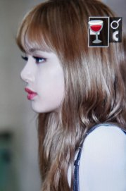 21-BLACKPINK-Lisa-Airport-Photo-10-October-2018-From-Japan