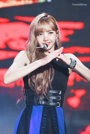 22-HQ-BLACKPINK-Lisa-BBQ-SBS-Super-Concert-2018