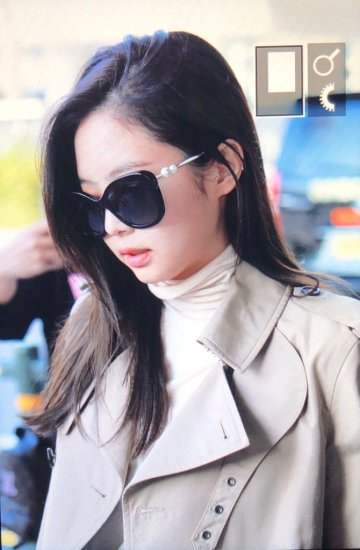 23-BLACKPINK Jennie Airport Photo 4 October 2018 from Paris