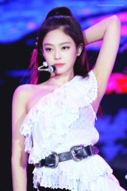 25-HQ-BLACKPINK-Jennie-BBQ-SBS-Super-Concert-2018