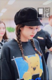 3-BLACKPINK-Jennie-Airport-Photo-10-October-2018-From-Japan
