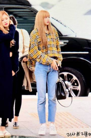 3-BLACKPINK-Lisa-Airport-Photos-Incheon-5-October-2018