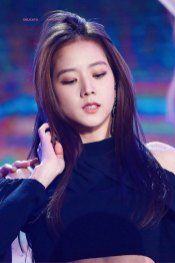 32-HQ-BLACKPINK-Jisoo-BBQ-SBS-Super-Concert-2018