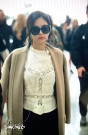 36-BLACKPINK-Jennie-Airport-Photos-Incheon-5-October-2018