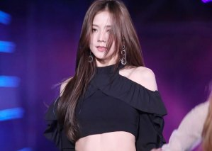 36-HQ-BLACKPINK-Jisoo-BBQ-SBS-Super-Concert-2018
