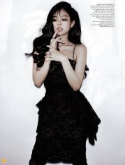 4-BLACKPINK-Jennie-W-Korea-Magazine-November-2018-Issue