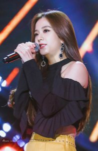 4-HQ-BLACKPINK-Jisoo-BBQ-SBS-Super-Concert-2018