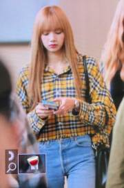 41-BLACKPINK-Lisa-Airport-Photos-Incheon-5-October-2018
