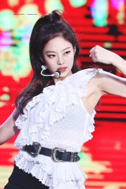 43-HQ-BLACKPINK-Jennie-BBQ-SBS-Super-Concert-2018