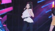 59-HQ-BLACKPINK-Jennie-BBQ-SBS-Super-Concert-2018
