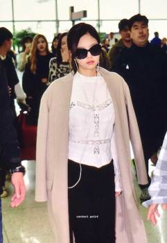 6-BLACKPINK-Jennie-Airport-Photos-Incheon-5-October-2018