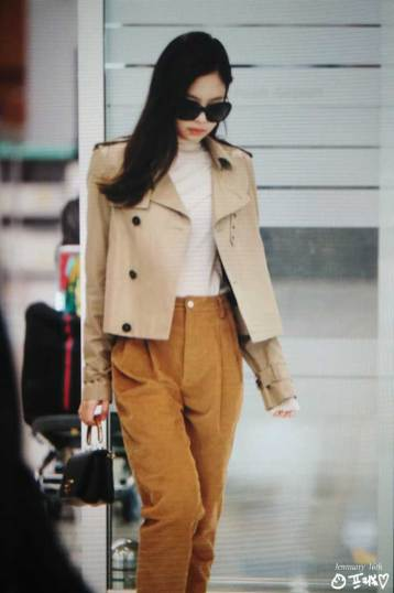 8-BLACKPINK-Jennie-Airport-Photo-4-October-2018-from-Paris