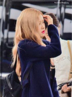 8-BLACKPINK Rose Airport Photos Incheon 5 October 2018