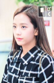 9-BLACKPINK-Jisoo-Airport-Photo-10-October-2018-From-Japan