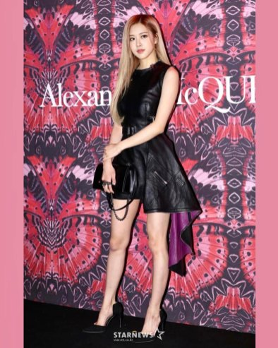 BLACKPINK-Rose-Instagram-18-October-2018-Alexander-McQueen
