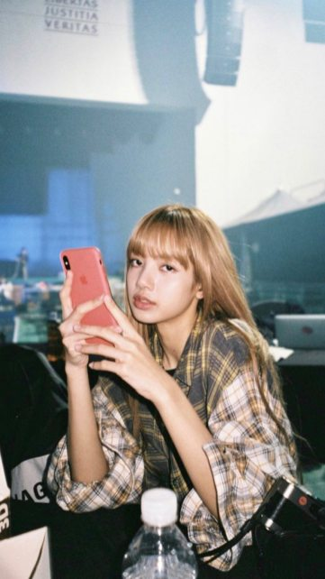 2-BLACKPINK Lisa Instagram Story 9 November 2018
